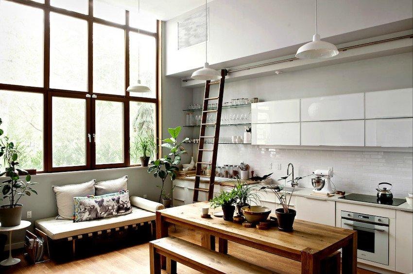 фото кухни с лестницей