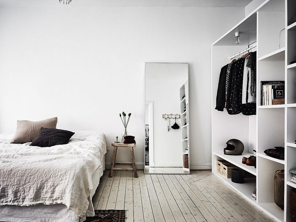 белый интерьер спальной комнаты