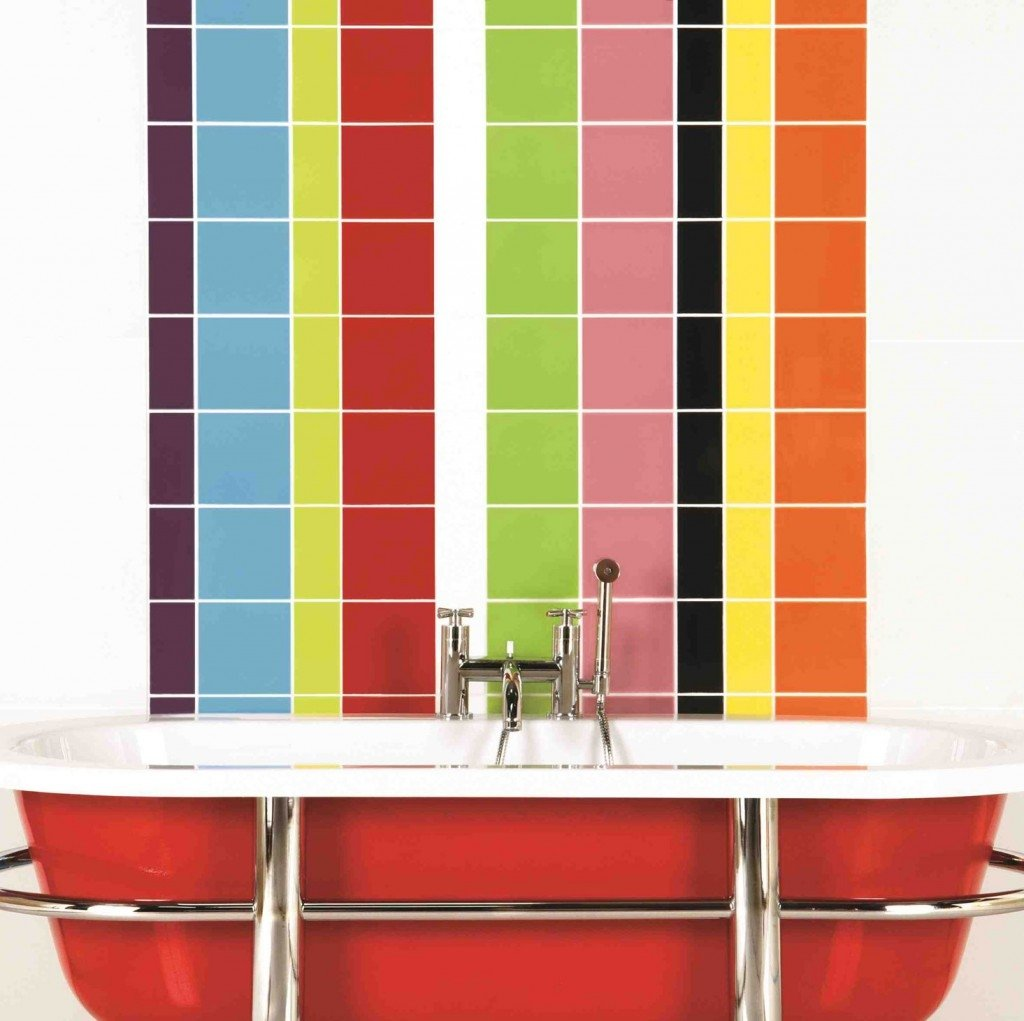 яркая плитка в ванную