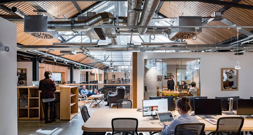 дизайн интерьера офиса Airbnb