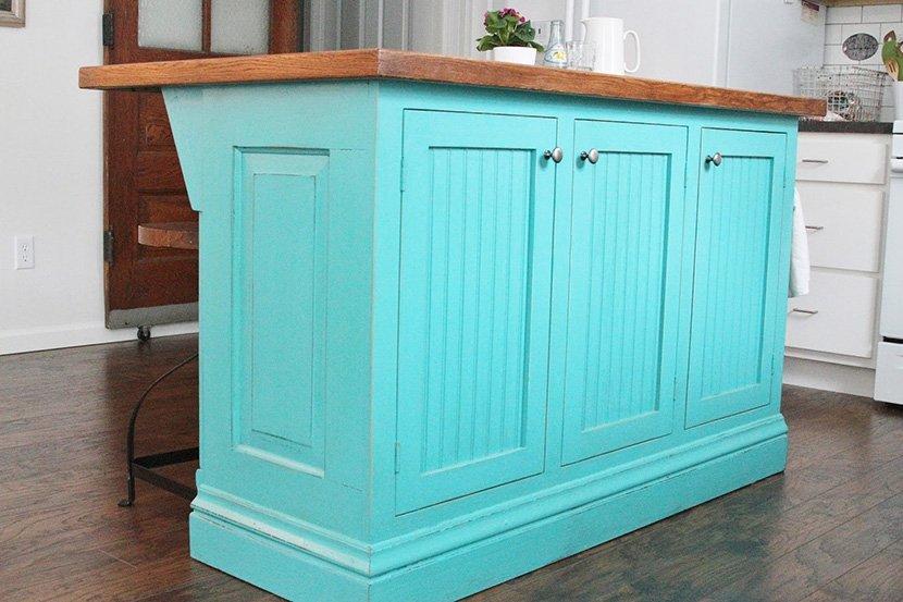фото голубого острова на кухне