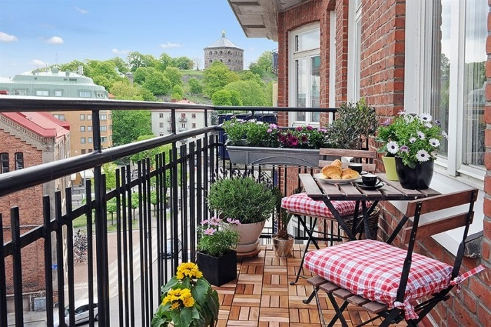 эротическая фотография утренний кофе на балконе